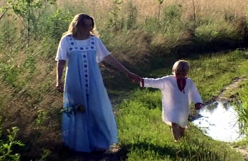 slava_prosnuvshimsya_vedam-slavyanskie_mama_i_ee_synok